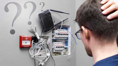 monteur voor modem en router